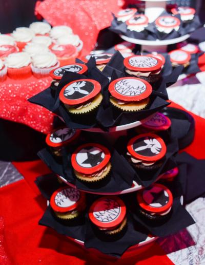 KISS Symbol Cupcakes